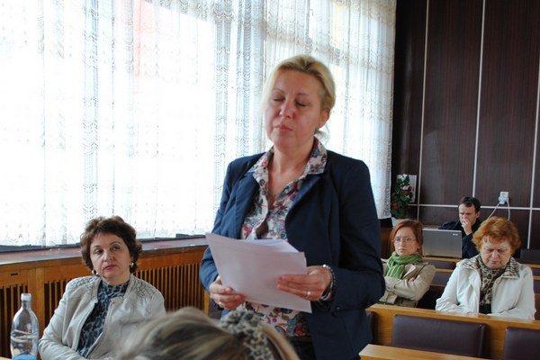 Poslankyňa Dagmar Hučková. Podieľala sa na vypracovaní smernice.