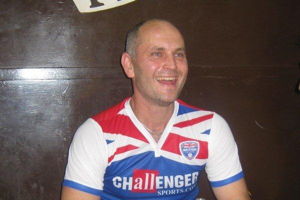 Marek Tomčišák v drese anglickej reprezentácie.