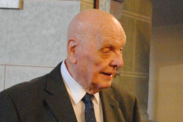 Akademický maliar Mikuláš Klimčák.