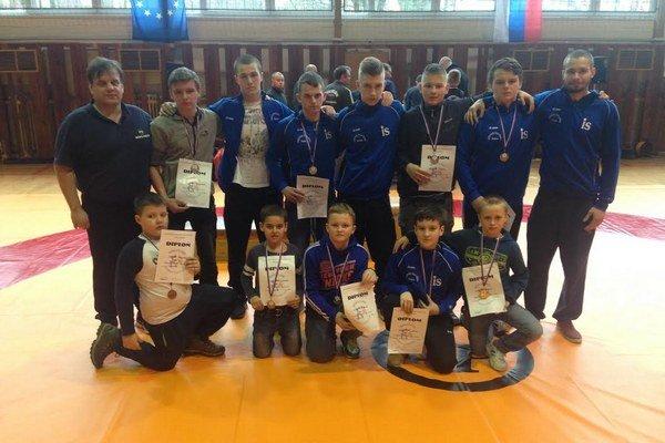 Sninčania pod Pieninami. Získali deväť medailí.
