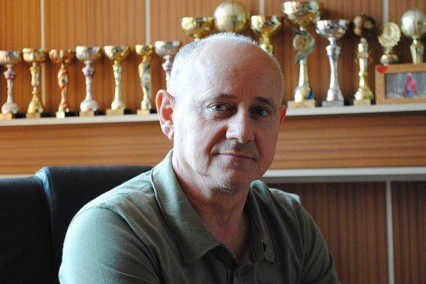 Peter Koršňák. V školstve odpracoval takmer štyri desaťročia.