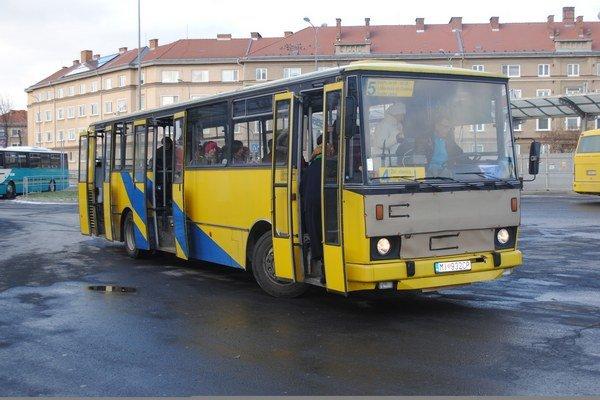 Mestská hromadná doprava. V Humennom bude bezplatná pre vybrané skupiny obyvateľov.