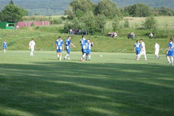 Modranská radosť. Domáci vyhrali v cirošskom derby a stále si držia nulu v kolónke prehier.