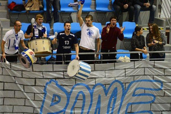 Verní humenskí fanúšikovia nechýbali ani v Lausanne. Ich tím sa im odvďačil postupom.