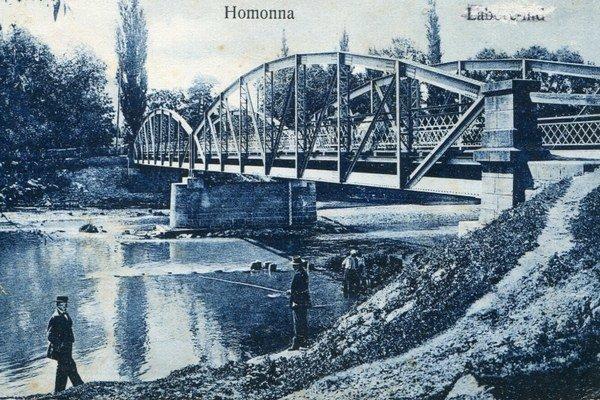 Valaškovský most. Postavili ho v roku 1900.