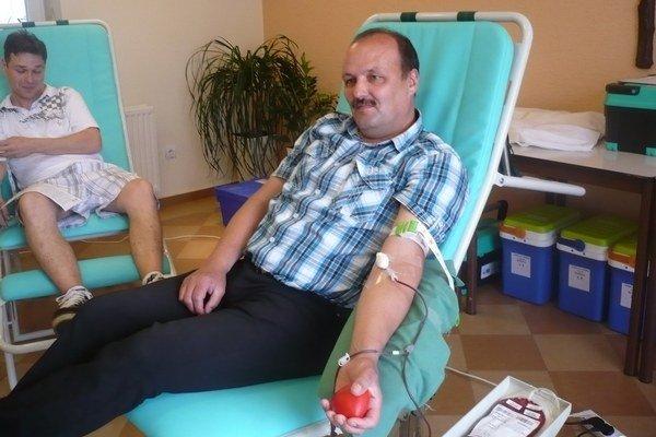 Jozef Špitalík je 44-násobný darca krvi.