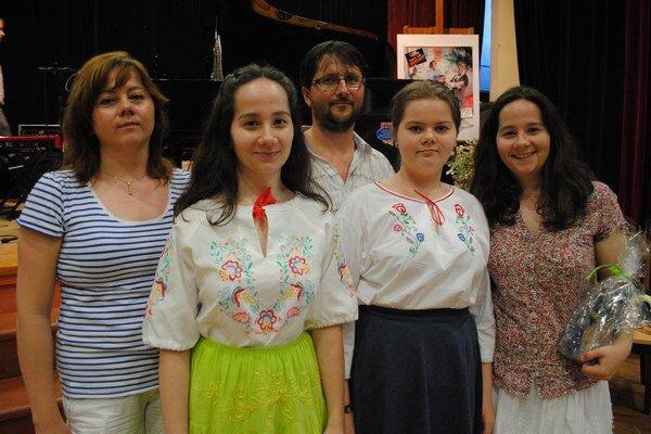 Mergovci. Martin a Monika majú tri dcéry: Dajanu, Angeliku a Martinu.