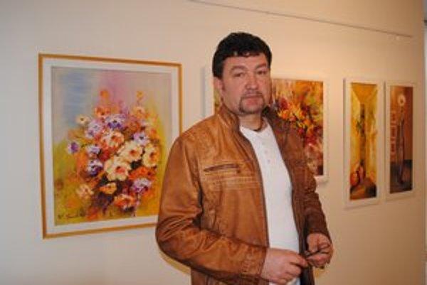 Peter Treciak. Bývalý dlhoročný člen skupiny Drišľak maľuje všetko, čo sa mu páči.