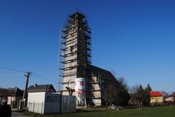 Kostol sv. Anny. Obec ho využíva ako Dom nádeje. Na jeho rekonštrukciu prispela sumou 30-tisíc eur.