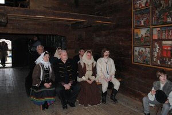 V pravoslávnom chráme. V humenskom skanzene sa v minulom roku natáčali zábery z Baluďanského detstva.