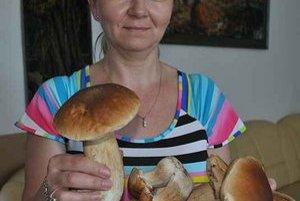 Nádhera. Anna Jurečková z Obecného úradu v Habure sa týmto pekným dubáčikom od Haburčana Andreja Závackého tešila.