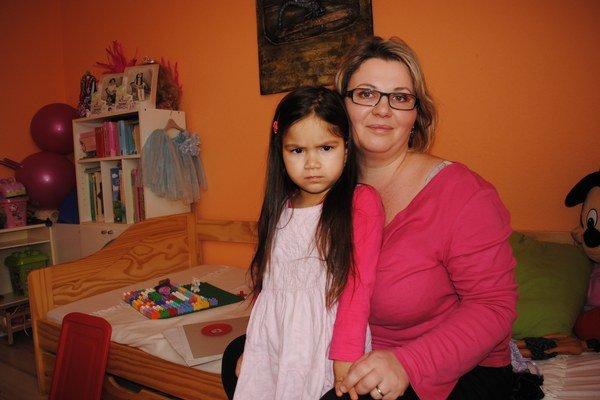 Mama a dcéra. Pani Andrea s Evičkou.