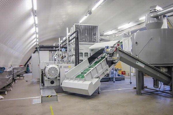 Výrobná linka v novej fabrike.