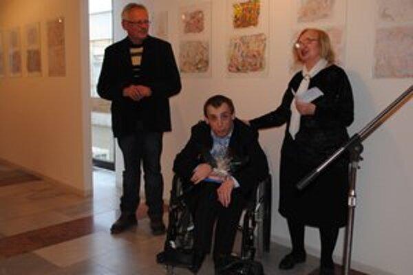 Ján Belančin. Medzi gratulantmi bola na vernisáži aj krstná mama a teta Magdaléna Leňová.