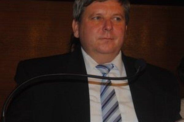 Kontrolór mesta Snina Pavol Marinič upozornil, že mesto doteraz nevymohlo tisícky eur od neplatičov.