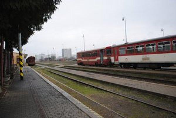 Na železničnej trati Humenné - Medzilaborce našli v jeden deň Nového roka smrť dvaja ľudia.