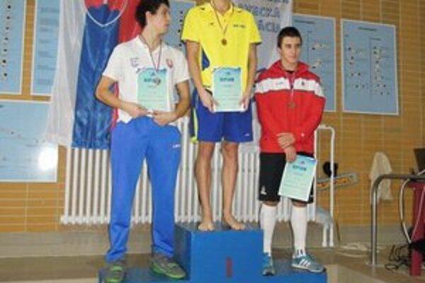 Vicemajster Slovenska Martin Babjak (na stupni vľavo).