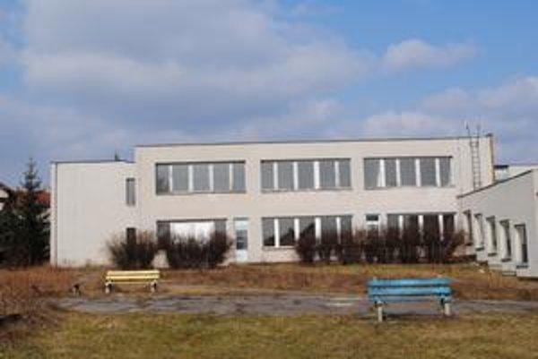 Šanca. Mesto sa uchádza o peniaze na prebudovanie tejto škôlky na Dubníku na pobytové zariadenie pre dôchodcov.