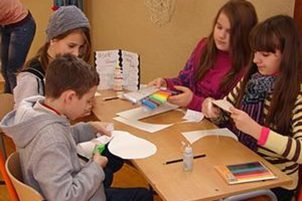 Rôzne úlohy deti zvládli s radosťou, veď bolo krátko pred Vianocami.
