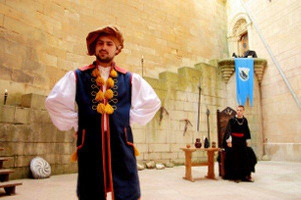 Predstavenie o Petrovi Pókym si v zámku pozreli dve tisícky ľudí.
