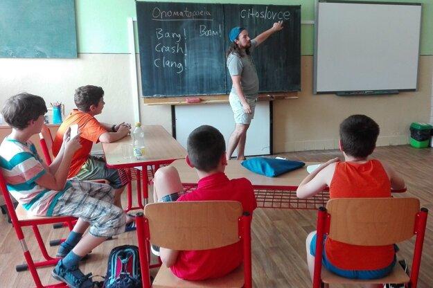 Učenie bolo vzájomné. Ozzie sa naučil niečo zo slovenskej gramatiky.