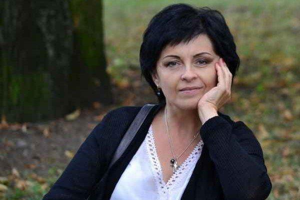Marianna Chvastová. Už štvrtý rok sa venuje výrobe šperkov.