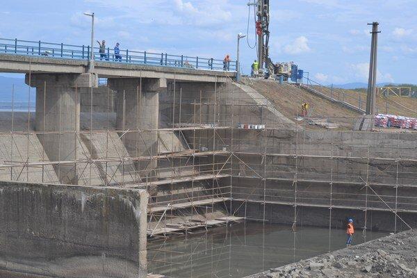 Rozsiahla rekonštrukcia. Bezpečnostný priepad je dôležitý z hľadiska protipovodňovej ochrany.