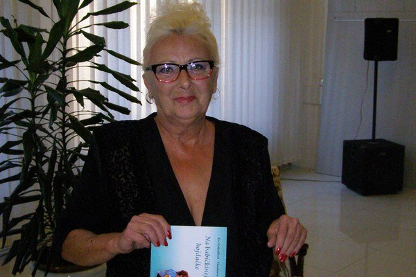 Eva Gabzdilová-Váradyová. K písaniu sa dostala pred 15 rokmi. Do budúcna plánuje knihu pre dospelých.