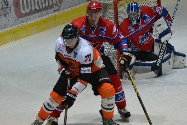 Rozhodol o triumfe v Senici. Andrej Salnikov (vpredu) strelil víťazný gól Michaloviec.