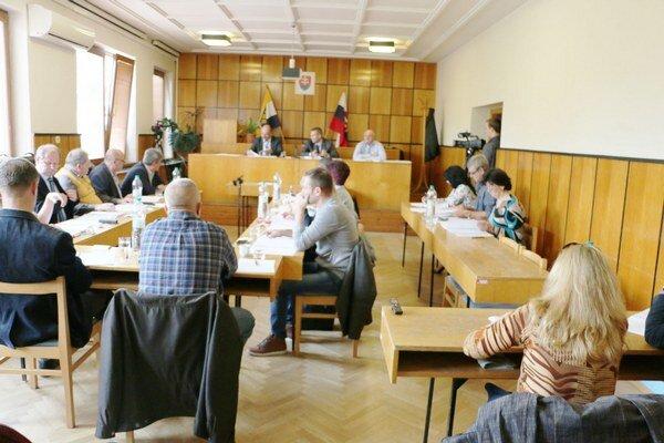 Sobranskí mestskí poslanci rozhodli, že platiť nebudú. Sporným sa stalo verejné obstarávanie z roku 2008.