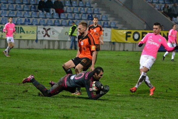 Michalovciam domáca rozlúčka nevyšla. Proti Ružomberku viedli 1:0, nakoniec prehrali o dva góly.