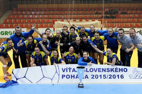 Michalovská radosť. Hráčky Iuventy získali pohár siedmykrát v histórii.