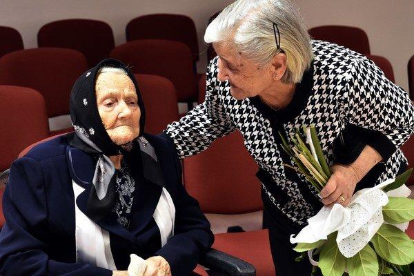 Vľavo Helena Gáborová so svoju dcérou Priskou Boďovou rod. Gáborovou.