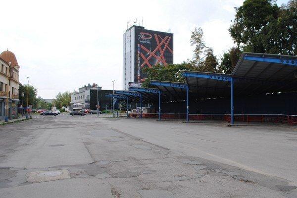 Kostolné námestie. Michalovčania môžu vyjadriť svoj názor k budúcej podobe námestia na webovej stránke mesta.
