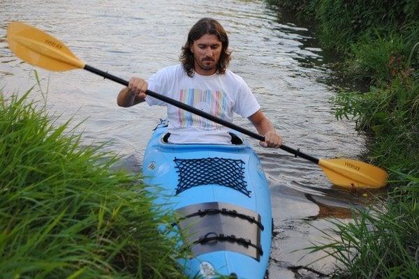 Na kajaku. 39-ročný Ľuboš Šenitko splavil Dunaj za 67 dní. Po prekonaní 2 850 kilometrov sa doplavil až do Čierneho mora.