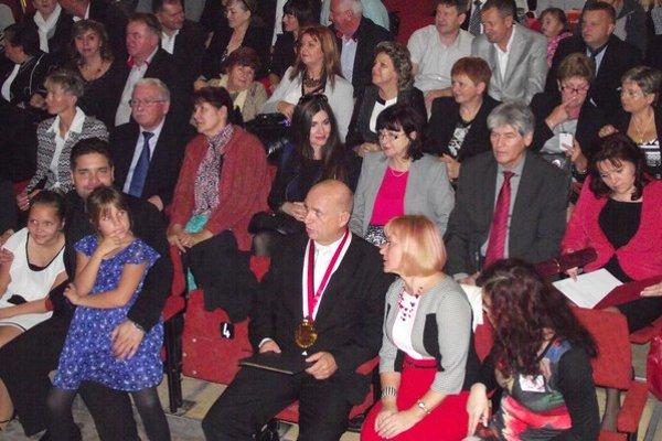 400. výročie vzdelávania v obci. V kultúrnom dome v Budkovciach sa stretli bývalí pedagógovia aj absolventi školy.