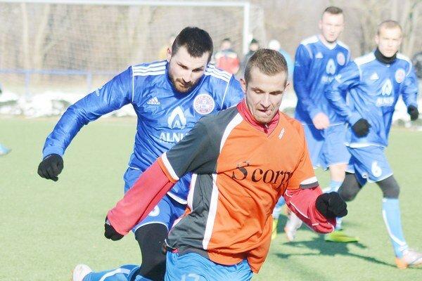 Mal prsty vo všetkých domácich góloch. Dominik Kunca (v oranžovom) bol v sobotu pri chuti.