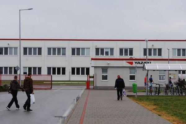 Yazaki v Michalovciach zamestnáva 3 200 ľudí. Firma rozbieha výrobu automobilových káblových zväzkov aj v Rumunsku.