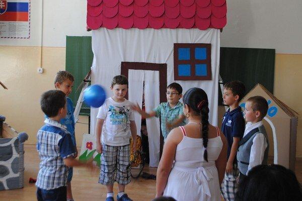Leto v Michalovciach. Škôlky budú otvorené, na školách budú letné tábory.
