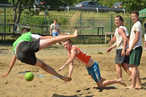 Obľúbený turnaj v plážovej hádzanej. Tento rok napísal na Zemplínskej šírave už svoju siedmu kapitolu.