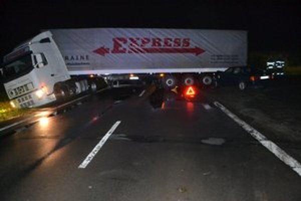 Šofér z ukrajinského Mukačeva sa na ceste otáčal.