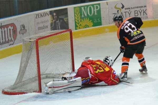 Seničanom pripravili druhú prehru. Michalovčania nastrieľali Záhorákom sedem gólov.
