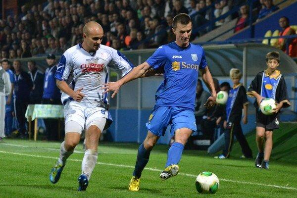 Prvý náročný zápas. M. Božok (vpravo) verí, že v Prešove uspejú.
