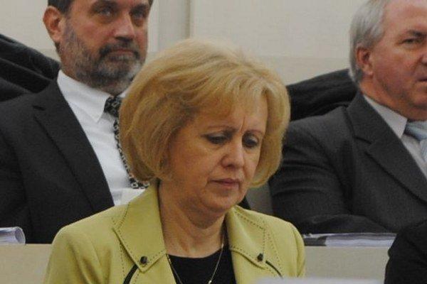Hlavná kontrolórka. Marta Bobovníková dostala pred Vianocami štedrú odmenu. Michalovskí poslanci jej odklepli 3 200 eur.