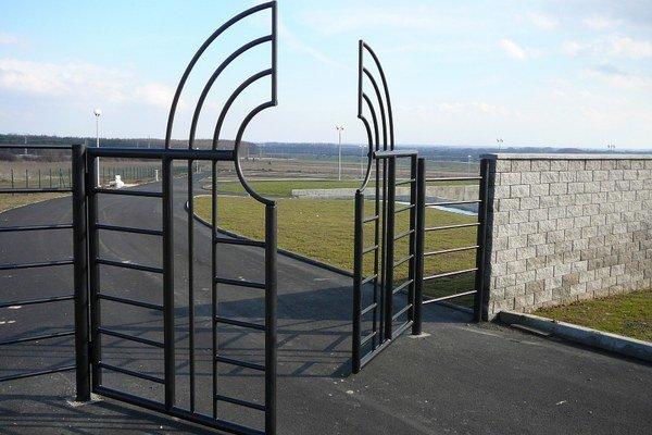 Nový cintorín. Predpokladaná kapacita cintorína je viac ako 5-tisíc hrobových miest.