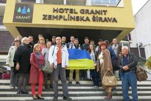 Ukrajinci na Šírave. Zotavujú sa tu dve desiatky Ukrajincov.
