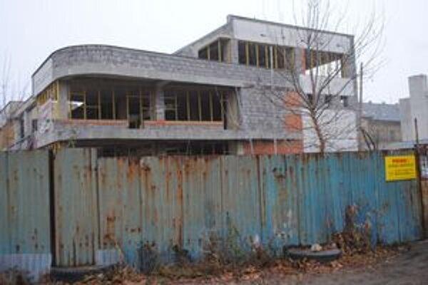 Tržnica. Michalovčania sa nedočkali jej rekonštrukcie ani po zmene vlastníka.