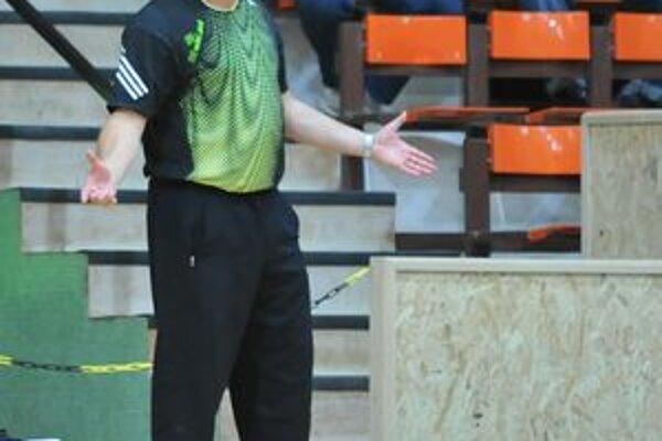 Michalovský tréner Pavol Jano. S tímom sa dnes predstaví v Hlohovci.