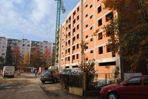 Obytný dom. Firma zaň pýta vyše 2,4 milióna eur. Ak mesto nezíska úver a dotáciu, z predaja nič nebude.