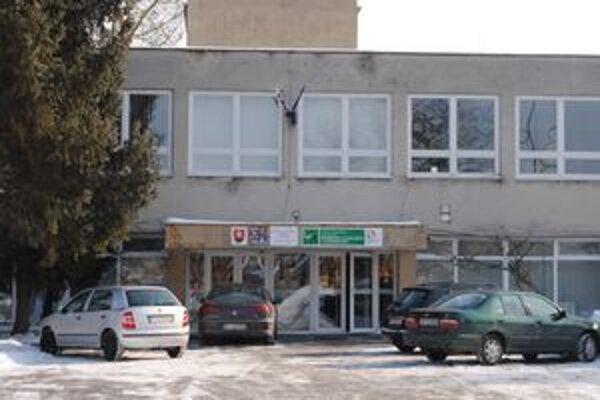 Zatvorené školy. V Michalovciach dostalo voľno kvôli prasknutému potrubiu 1 200 žiakov.